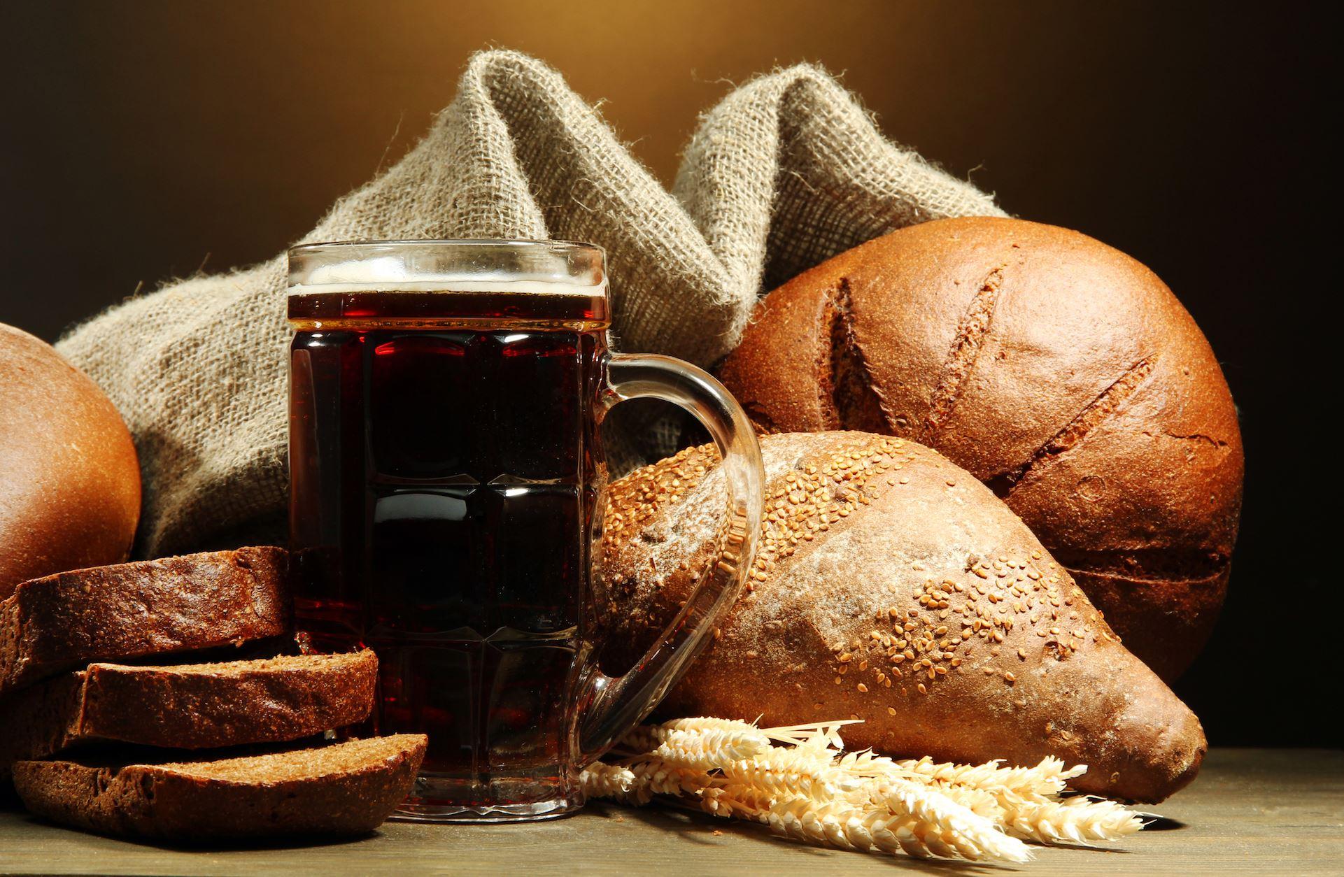 Как готовить квас из хлеба в домашних условиях